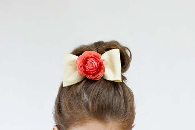 38 Creative DIY Hair Accessories - Fresh Flower Hair Bow - Create Pretty Hairstyles for Women, Teens and Girls with These Easy Tutorials - Vintage and Boho Looks for Prom and Wedding - Step by Step Instructions for Cool Headbands, Barettes, Pony Tail Holders, Hair Clips, Bobby Pins and Bows http://diyprojectsforteens.com/diy-hair-accessories
