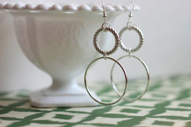 DIY Earrings and Homemade Jewelry Projects - Silver Earrings - Easy Studs, Ideas with Beads, Dangle Earring Tutorials, Wire, Feather, Simple Boho, Handmade Earring Cuff, Hoops and Cute Ideas for Teens and Adults http://diyprojectsforteens.com/diy-earrings