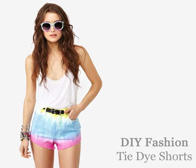 DIY Gifts for Teens - Tie Dye Shorts - Cool Ideas for Girls and Boys, Friends and Gift Ideas for Teenagers. Creative Room Decor, Fun Wall Art and Awesome Crafts You Can Make for Presents http://diyprojectsforteens.com/diy-tie-dye-ideas