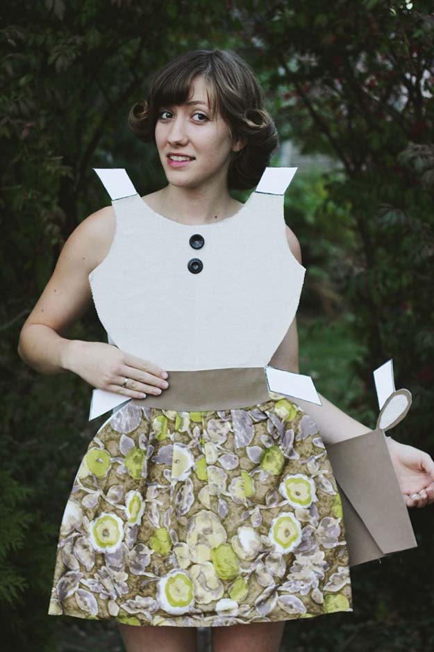 Best Last Minute DIY Halloween Costume Ideas - Paper Doll Costume - Do It Yourself Costumes for Teens, Teenagers, Tweens, Teenage Boys and Girls, Friends. Fun, Clever, Cheap and Creative Costumes that Are Easy To Make. Step by Step Tutorials and Instructions http://diyprojectsforteens.com/last-minute-diy-halloween-costumes