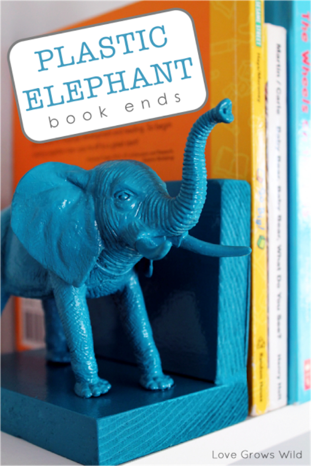 Cool Turquoise Room Decor Ideas - Plastic Elephant Bookends - Fun Aqua Decorating Looks and Color for Teen Bedroom, Bathroom, Accent Walls and Home Decor - Fun Crafts and Wall Art for Your Room