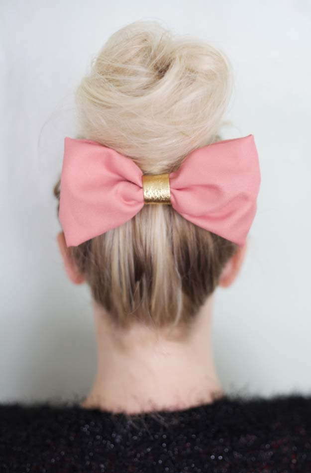 38 Creative DIY Hair Accessories - Flouncy No-Sew Fun Bun Bow - Create Pretty Hairstyles for Women, Teens and Girls with These Easy Tutorials - Vintage and Boho Looks for Prom and Wedding - Step by Step Instructions for Cool Headbands, Barettes, Pony Tail Holders, Hair Clips, Bobby Pins and Bows http://diyprojectsforteens.com/diy-hair-accessories