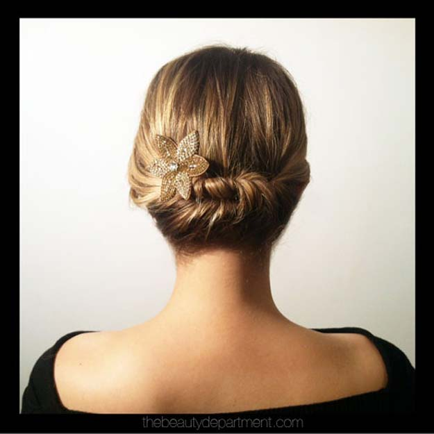Cool and Easy DIY Hairstyles - Quick Twist Hairstyle - Quick and Easy Ideas for Back to School Styles for Medium, Short and Long Hair - Fun Tips and Best Step by Step Tutorials for Teens, Prom, Weddings, Special Occasions and Work. Up dos, Braids, Top Knots and Buns, Super Summer Looks #hairstyles #hair #teens #easyhairstyles #diy #beauty