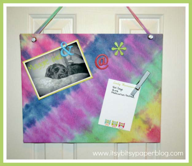 DIY Tie Dye Projects and Crafts - Tie Dyed Magnetic Memo Board - Cool Tie Dye Ideas for Shirts, Socks, Paint, Sheets, Sharpie, Food and Recipes, Bags, Tshirt and Shoes - Fun Projects and Gifts for Adults, Teens and Teenagers http://diyprojectsforteens.com/diy-tie-dye-ideas