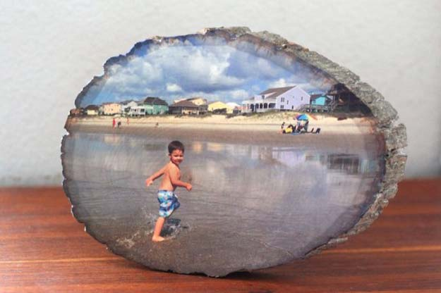 Cool DIY Photo Projects and Craft Ideas for Photos - Wood Slice Photo - Easy Ideas for Wall Art, Collage and DIY Gifts for Friends. Wood, Cardboard, Canvas, Instagram Art and Frames. Creative Birthday Ideas and Home Decor for Adults, Teens and Tweens