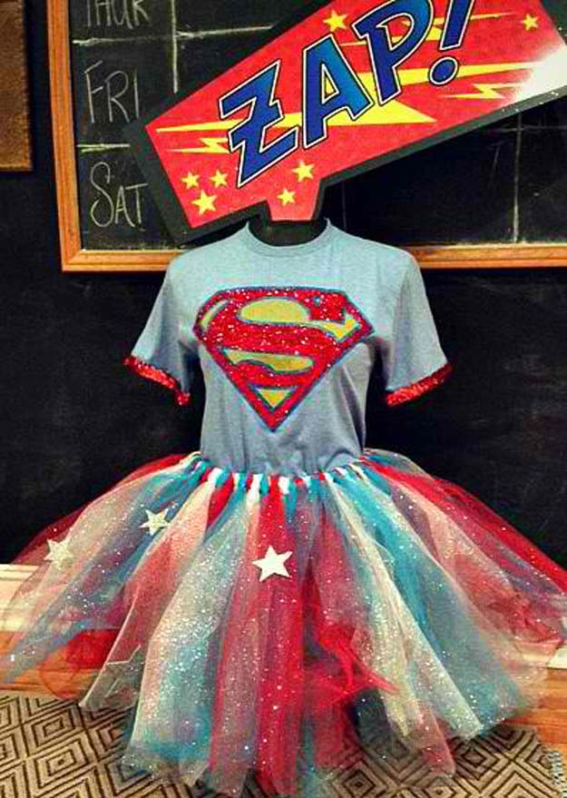 Best Last Minute DIY Halloween Costume Ideas - Super Hero Costume - Do It Yourself Costumes for Teens, Teenagers, Tweens, Teenage Boys and Girls, Friends. Fun, Clever, Cheap and Creative Costumes that Are Easy To Make. Step by Step Tutorials and Instructions #halloween #costumeideas #halloweencostumes