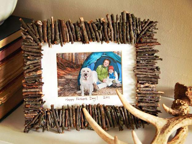 Best DIY Picture Frames and Photo Frame Ideas - Rustic Frame - How To Make Cool Handmade Projects from Wood, Canvas, Instagram Photos. Creative Birthday Gifts, Fun Crafts for Friends and Wall Art Tutorials #diyideas #diygifts #teencrafts