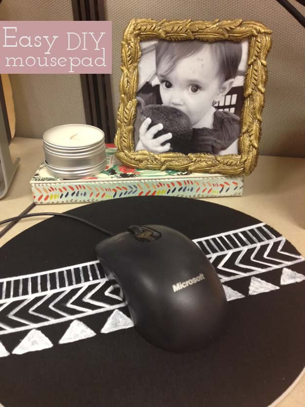 DIY Gifts for Teens - Super Easy Mousepad Project - Cool Ideas for Girls and Boys, Friends and Gift Ideas for Teenagers. Creative Room Decor, Fun Wall Art and Awesome Crafts You Can Make for Presents http://diyprojectsforteens.com/diy-gifts-for-teens