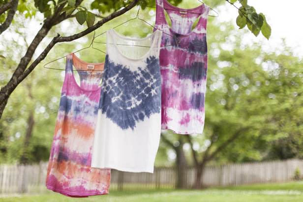 DIY Tie Dye Projects and Crafts - Tie dye - Cool Tie Dye Ideas for Shirts, Socks, Paint, Sheets, Sharpie, Food and Recipes, Bags, Tshirt and Shoes - Fun Projects and Gifts for Adults, Teens and Teenagers