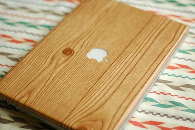 Fun Dollar Store Crafts for Teens - DIY Wood-Grain Laptop Wrap - Cheap and Easy DIY Ideas for Teenagers to Make for Dollar Stores - Inexpensive Gifts and Room Decor for Tweens, Boys and Girls - Awesome Step by Step Tutorials with Instructions for Cool DIY Projects http://diyprojectsforteens.com/dollar-store-crafts-teens