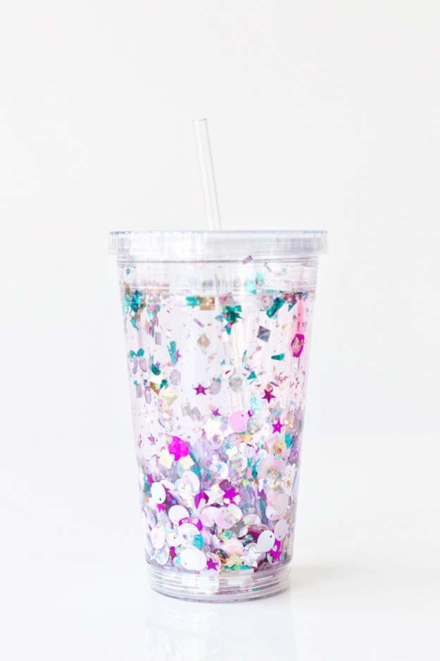 Fun Dollar Store Crafts for Teens - DIY Floating Glitter Tumbler - Cheap and Easy DIY Ideas for Teenagers to Make for Dollar Stores - Inexpensive Gifts and Room Decor for Tweens, Boys and Girls - Awesome Step by Step Tutorials with Instructions for Cool DIY Projects http://diyprojectsforteens.com/dollar-store-crafts-teens