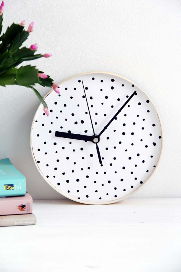 DIY Polka Dot Crafts and Projects - DIY Dotted Wall Clock - Cool Clothes, Room and Home Decor, Wall Art, Mason Jars and Party Ideas, Canvas, Fabric and Paint Project Tutorials - Fun Craft Ideas for Teens, Kids and Adults Make Awesome DIY Gifts