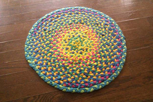 DIY Bathroom Decor Ideas for Teens - Braided T-shirt Rug - Best Creative, Cool Bath Decorations and Accessories for Teenagers - Easy, Cheap, Cute and Quick Craft Projects That Are Fun To Make. Easy to Follow Step by Step Tutorials http://diyprojectsforteens.com/diy-bathroom-decor-teens