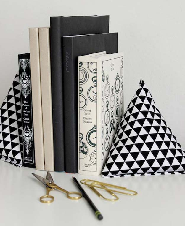 Best DIY Ideas from Tumblr - DIY Fabric Pyramid Bookends - Crafts and DIY Projects Inspired by Tumblr are Perfect Room Decor for Teens and Adults - Fun Crafts and Easy DIY Gifts, Clothes and Bedroom Project Tutorials for Teenagers and Tweens http://diyprojectsforteens.com/diy-projects-tumblr