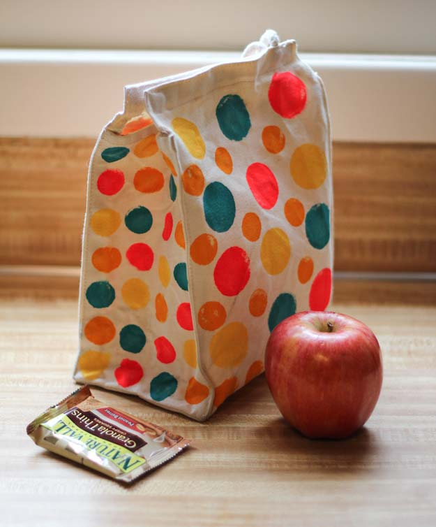 DIY Polka Dot Crafts and Projects - DIY Polka Dot Lunchbox - Cool Clothes, Room and Home Decor, Wall Art, Mason Jars and Party Ideas, Canvas, Fabric and Paint Project Tutorials - Fun Craft Ideas for Teens, Kids and Adults Make Awesome DIY Gifts