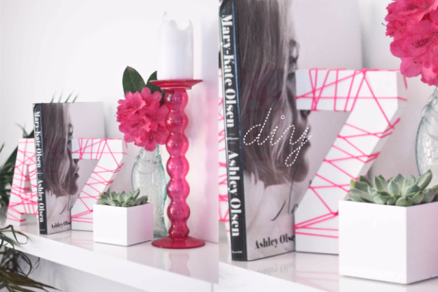 DIY Teen Room Decor Ideas for Girls | Neon String Bookends | Cool Bedroom Decor, Wall Art & Signs, Crafts, Bedding, Fun Do It Yourself Projects and Room Ideas for Small Spaces