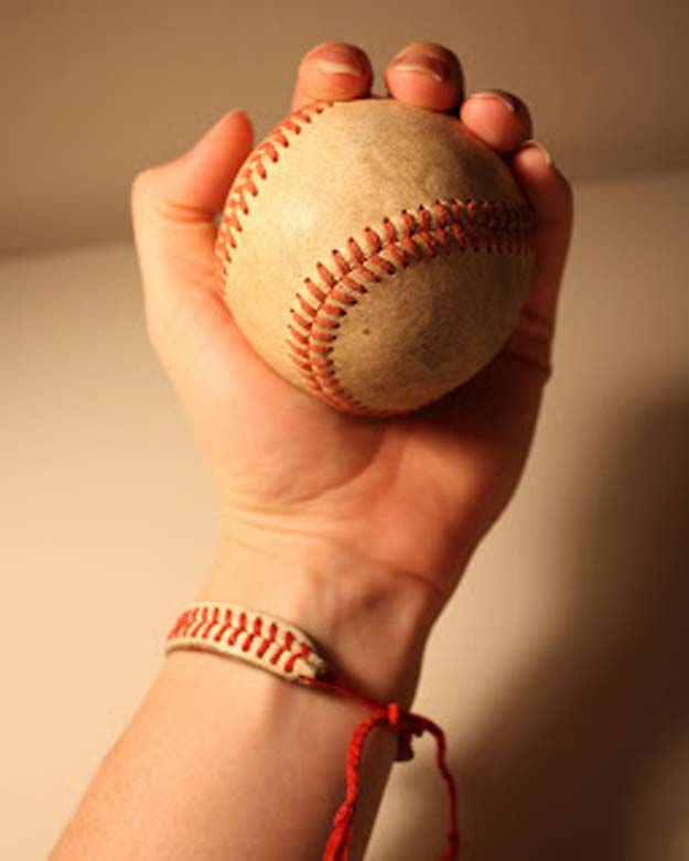 Fun Dollar Store Crafts for Teens - DIY Baseball String Bracelet - Cheap and Easy DIY Ideas for Teenagers to Make for Dollar Stores - Inexpensive Gifts and Room Decor for Tweens, Boys and Girls - Awesome Step by Step Tutorials with Instructions for Cool DIY Projects http://diyprojectsforteens.com/dollar-store-crafts-teens