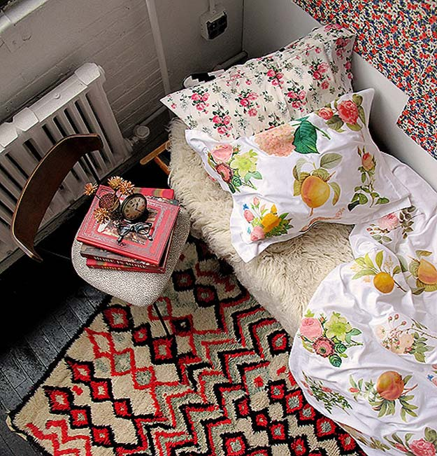 DIY Dorm Room Decor Ideas - Iron-Transfer Floral Duvet Cover - Cheap DIY Dorm Decor Projects for College Rooms - Cool Crafts, Wall Art, Easy Organization for Girls - Fun DYI Tutorials for Teens and College Students http://diyprojectsforteens.com/diy-dorm-room-decor