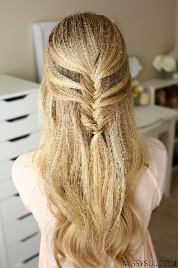 Best Hairstyles for Long Hair - Half Up Hairstyle - Step by Step Tutorials for Easy Curls, Updo, Half Up, Braids and Lazy Girl Looks. Prom Ideas, Special Occasion Hair and Braiding Instructions for Teens, Teenagers and Adults, Women and Girls
