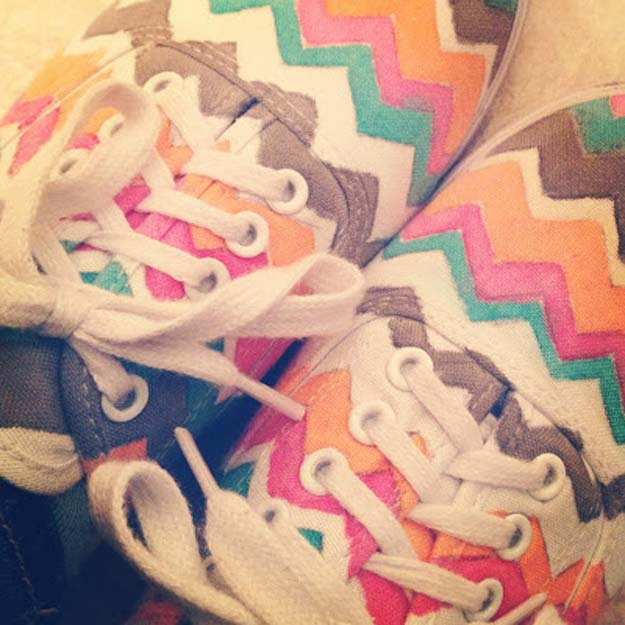 Best DIY Chevron Projects - DIY Chevron Sneakers - DIY Wall Art, Home and Room Decor, Canvas Crafts With Chevrons, Furniture and Chairs, Decorations With Paint Ideas Using Chevron Patterns for Bedroom, Bathroom and Teens Rooms. Learn How To Tape Chevron Art With Easy To Follow Step by Step Tutorials http://diyprojectsforteens.com/diy-projects-chevron