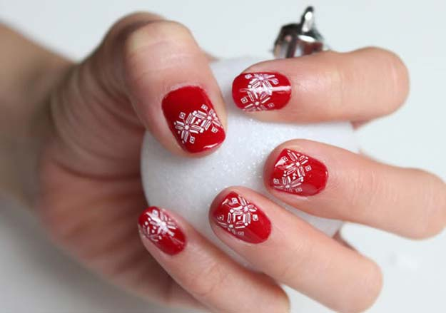 Cool DIY Nail Art Designs and Patterns for Christmas and Holidays - DIY Snowflakes Nails - Do It Yourself Manicure Ideas With Christmas Trees, Candy Canes, Snowflakes and Glittery Designs for Holiday Nails - Step by Step Tutorials and Instructions http://diyprojectsforteens.com/holiday-nail-art-patterns/