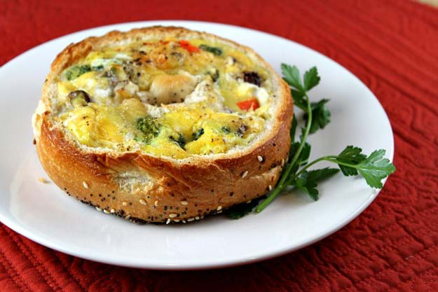 Cool and Easy Recipes For Teens to Make at Home - Bagel Quiche - Fun Snacks, Simple Breakfasts, Lunch Ideas, Dinner and Dessert Recipe Tutorials - Teenagers Love These Fun Foods that Are Quick, Healthy and Delicious Ideas for Meals http://diyprojectsforteens.com/diy-recipes-teens