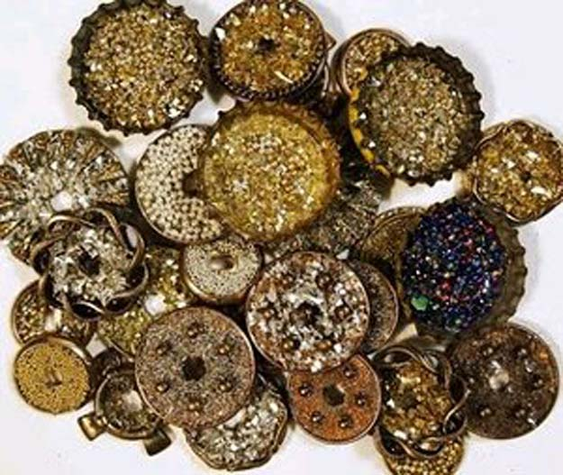 Cool Steampunk DIY Ideas - DIY Glittery Buttons - Easy Home Decor, Costume Ideas, Jewelry, Crafts, Furniture and Steampunk Fashion Tutorials - Clothes, Accessories and Best Step by Step Tutorials - Creative DIY Projects for Adults, Teens and Tweens
