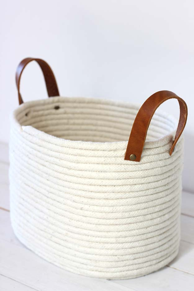 Cool Glue Gun Crafts and DIY Projects - DIY Rope Coil Basket - Creative Ways to Use Your Glue Gun for Awesome Home Decor, DIY Gifts , Jewelry and Fashion - Fun Projects and Easy, Cheap DIY Ideas for Kids, Adults and Teens - Handmade Christmas Presents on A Budget