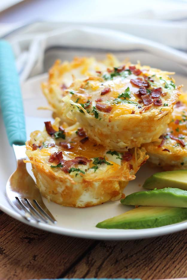 Cool and Easy Recipes For Teens to Make at Home - Hash Brown Egg Nests with Avocado - Fun Snacks, Simple Breakfasts, Lunch Ideas, Dinner and Dessert Recipe Tutorials - Teenagers Love These Fun Foods that Are Quick, Healthy and Delicious Ideas for Meals
