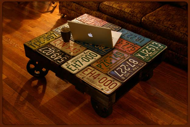 Cool DIY Gifts to Make For Your Boyfriend - DIY License Plate Table - Easy, Cheap and Awesome Gift Ideas to Make for Guys - Fun Crafts and Presents to Give to Boyfriends - Men Love These Gift Card Holders, Mason Jar Kits, Thoughtful Handmade Christmas Gifts - DIY Projects for Teens http://diyprojectsforteens.com/diy-gifts-boyfriend