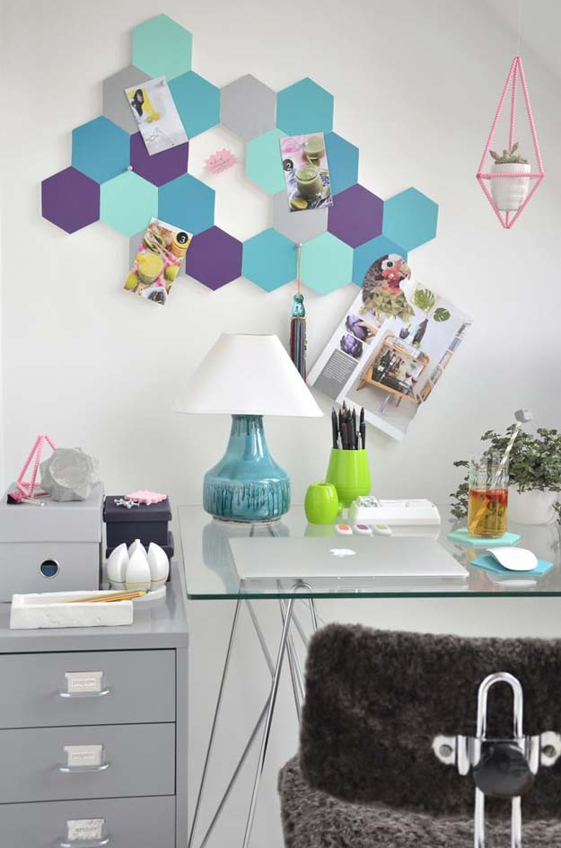 DIY Wall Art Ideas for Teen Rooms - DIY Cute Honeycomb Pin Board - Cheap and Easy Wall Art Projects for Teenagers - Girls and Boys Crafts for Walls in Bedrooms - Fun Home Decor on A Budget - Cool Canvas Art, Paintings and DIY Projects for Teens http://diyprojectsforteens.com/diy-wall-art-teens