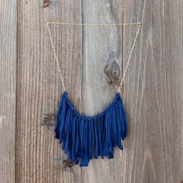 DIY Necklace Ideas - Fringe T-Shirt - Pendant, Beads, Statement, Choker, Layered Boho, Chain and Simple Looks - Creative Jewlery Making Ideas for Women and Teens, Girls - Crafts and Cool Fashion Ideas for Teenagers http://diyprojectsforteens.com/diy-necklaces