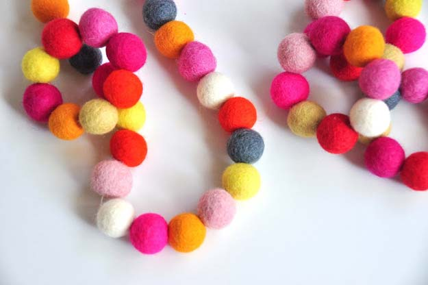DIY Necklace Ideas - Wool Bead Jewelry - Pendant, Beads, Statement, Choker, Layered Boho, Chain and Simple Looks - Creative Jewlery Making Ideas for Women and Teens, Girls - Crafts and Cool Fashion Ideas for Teenagers http://diyprojectsforteens.com/diy-necklaces