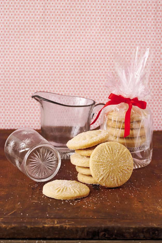 Best Valentines Cookies - Sugar Cookie Dough - Easy Cookie Recipes and Recipe Ideas for Valentines Day - Cute DIY Decorated Cookies for Kids, Homemade Box Cookies and Bouquet Ideas - Sugar Cookie Icing Tutorials With Step by Step Instructions - Quick, Cheap Valentine Gift Ideas for Him and Her http://diyprojectsforteens.com/valentine-cookie-recipes
