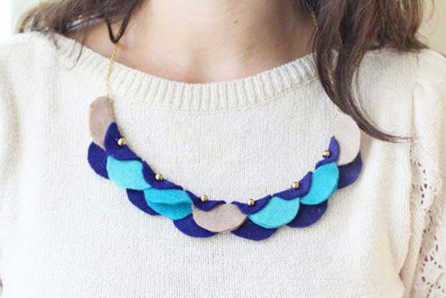 DIY Necklace Ideas - Felt Garland Necklace - Pendant, Beads, Statement, Choker, Layered Boho, Chain and Simple Looks - Creative Jewlery Making Ideas for Women and Teens, Girls - Crafts and Cool Fashion Ideas for Teenagers