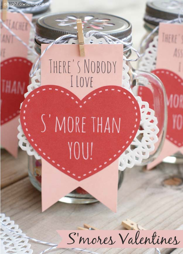 Best Mason Jar Valentine Crafts - S'mores Valentines - Cute Mason Jar Valentines Day Gifts and Crafts | Easy DIY Ideas for Valentines Day for Homemade Gift Giving and Room Decor | Creative Home Decor and Craft Projects for Teens, Teenagers, Kids and Adults http://diyprojectsforteens.com/mason-jar-valentine-crafts