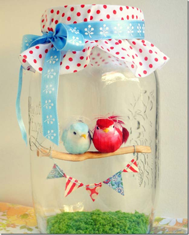 Best Mason Jar Valentine Crafts - Love Birds in A Jar - Cute Mason Jar Valentines Day Gifts and Crafts | Easy DIY Ideas for Valentines Day for Homemade Gift Giving and Room Decor | Creative Home Decor and Craft Projects for Teens, Teenagers, Kids and Adults http://diyprojectsforteens.com/mason-jar-valentine-crafts