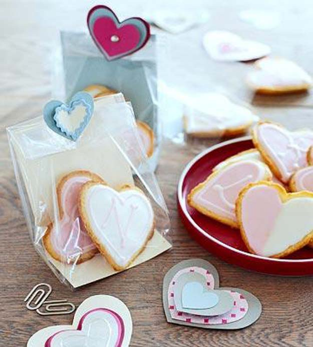 Best Valentines Cookies - Puffed Heart Lemon Cookies - Easy Cookie Recipes and Recipe Ideas for Valentines Day - Cute DIY Decorated Cookies for Kids, Homemade Box Cookies and Bouquet Ideas - Sugar Cookie Icing Tutorials With Step by Step Instructions - Quick, Cheap Valentine Gift Ideas for Him and Her http://diyprojectsforteens.com/valentine-cookie-recipes