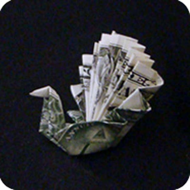DIY Money Origami - Money Easy Peacock - Step by Step Tutorials for Star, Flower, Heart, Buttlerfly, Animals. Tree, Letters, Bow and Boxes - Cute DIY Gift Ideas for Birthday and Christmas Cards - DIY Projects and Crafts for Teens http://diyprojectsforteens.com/diy-money-origami