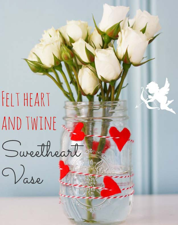 Best Mason Jar Valentine Crafts - Felt Heart and Twine Mason Jar Vase - Cute Mason Jar Valentines Day Gifts and Crafts | Easy DIY Ideas for Valentines Day for Homemade Gift Giving and Room Decor | Creative Home Decor and Craft Projects for Teens, Teenagers, Kids and Adults http://diyprojectsforteens.com/mason-jar-valentine-crafts