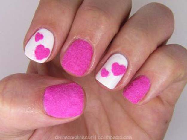 Valentine Nail Art Ideas - Velvet Heart Nail Art - Cute and Cool Looks For Valentines Day Nails - Hearts, Gradients, Red, Black and Pink Designs - Easy Ideas for DIY Manicures with Step by Step Tutorials - Fun Ideas for Teens, Teenagers and Women http://diyprojectsforteens.com/valentine-nail-art-ideas
