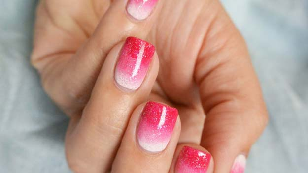 Valentine Nail Art Ideas - Sparkly Pink Ombre Manicure - Cute and Cool Looks For Valentines Day Nails - Hearts, Gradients, Red, Black and Pink Designs - Easy Ideas for DIY Manicures with Step by Step Tutorials - Fun Ideas for Teens, Teenagers and Women http://diyprojectsforteens.com/valentine-nail-art-ideas