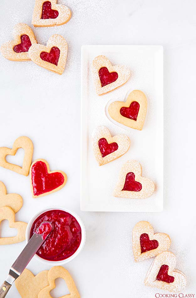 Best Valentines Cookies - Linzer Cookies - Easy Cookie Recipes and Recipe Ideas for Valentines Day - Cute DIY Decorated Cookies for Kids, Homemade Box Cookies and Bouquet Ideas - Sugar Cookie Icing Tutorials With Step by Step Instructions - Quick, Cheap Valentine Gift Ideas for Him and Her http://diyprojectsforteens.com/valentine-cookie-recipes