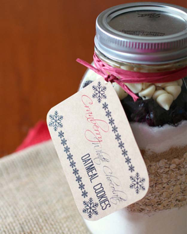 Best Mason Jar Cookies - White Chocolate Cranberry Oatmeal Mason Jar Cookie Recipe - Mason Jar Cookie Recipe Mix for Cute Decorated DIY Gifts - Easy Chocolate Chip Recipes, Christmas Presents and Wedding Favors in Mason Jars - Fun Ideas for DIY Parties, Easy Recipes for Teens, Teenagers, Kids and Teens - Cheap Last Mintue Gift Ideas for Friends, Family and Neighbors