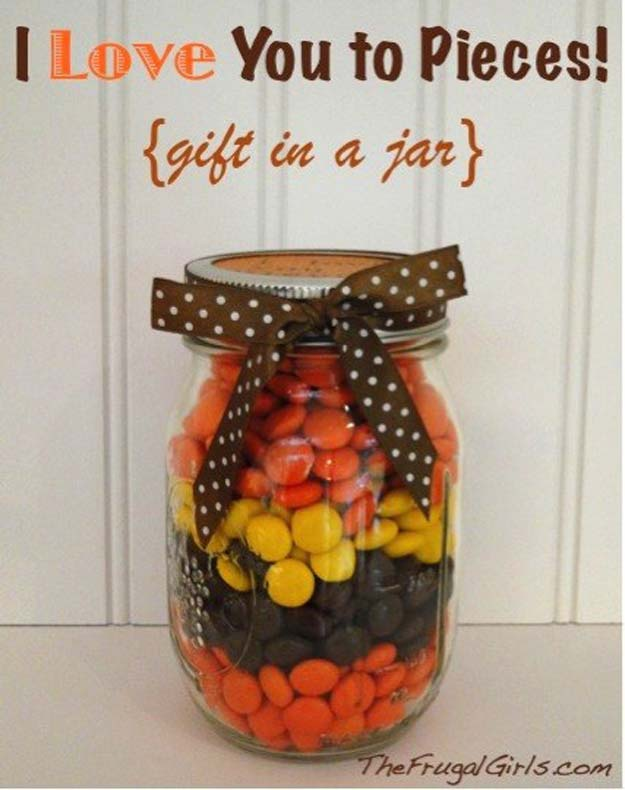 Best Mason Jar Valentine Crafts - I Love You To Pieces - Cute Mason Jar Valentines Day Gifts and Crafts | Easy DIY Ideas for Valentines Day for Homemade Gift Giving and Room Decor | Creative Home Decor and Craft Projects for Teens, Teenagers, Kids and Adults http://diyprojectsforteens.com/mason-jar-valentine-crafts