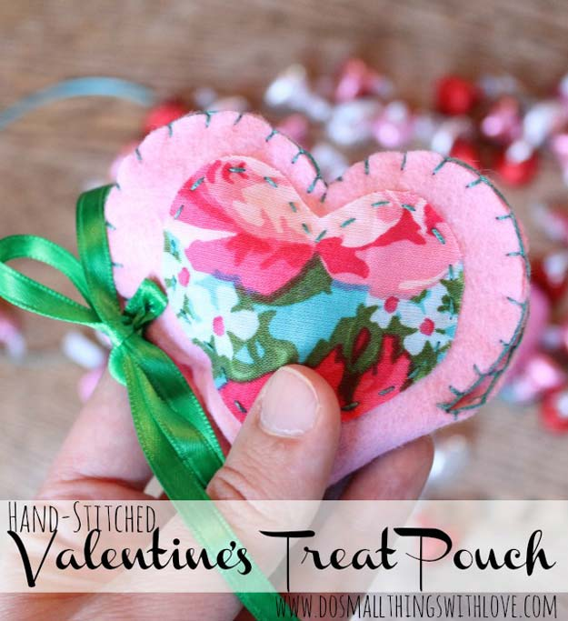 DIY Valentine Gifts - Valentine's Treat Pouch - Gifts for Her and Him, Teens, Teenagers and Tweens - Mason Jar Ideas, Homemade Cards, Cheap and Easy Gift Ideas for Valentine Presents http://diyprojectsforteens.com/diy-valentine-gifts