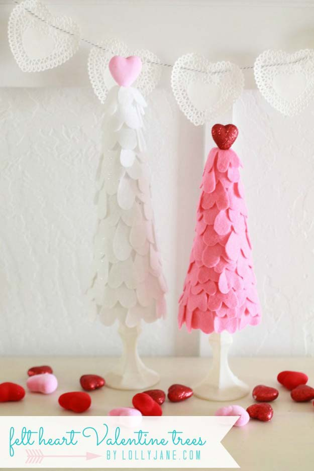 Valentine Window Decorating Ideas