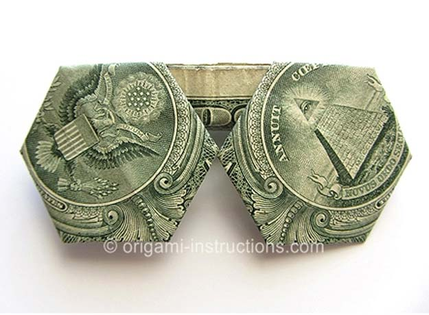 DIY Money Origami - Money Origami Sunglasses - Step by Step Tutorials for Star, Flower, Heart, Buttlerfly, Animals. Tree, Letters, Bow and Boxes - Cute DIY Gift Ideas for Birthday and Christmas Cards - DIY Projects and Crafts for Teens http://diyprojectsforteens.com/diy-money-origami