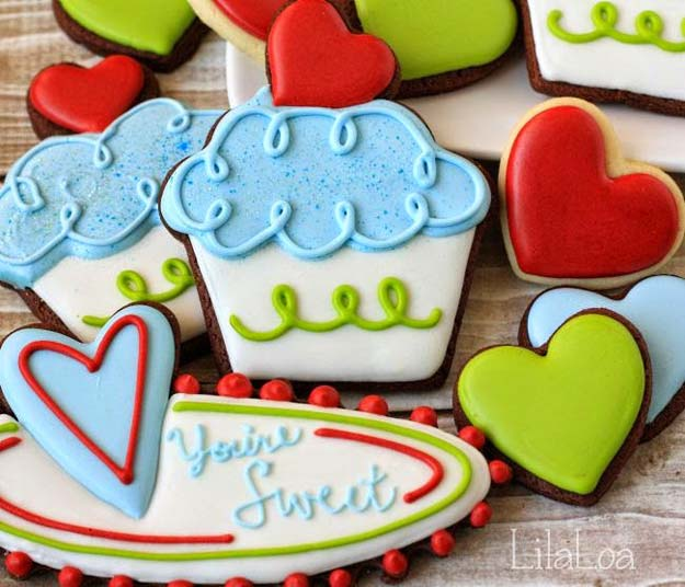 Best Valentines Cookies - Cupcake Valentine Cookies - Easy Cookie Recipes and Recipe Ideas for Valentines Day - Cute DIY Decorated Cookies for Kids, Homemade Box Cookies and Bouquet Ideas - Sugar Cookie Icing Tutorials With Step by Step Instructions - Quick, Cheap Valentine Gift Ideas for Him and Her http://diyprojectsforteens.com/valentine-cookie-recipes