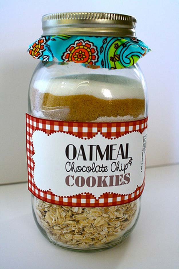 Best Mason Jar Cookies - Oatmeal Cookie Mix Recipe - Mason Jar Cookie Recipe Mix for Cute Decorated DIY Gifts - Easy Chocolate Chip Recipes, Christmas Presents and Wedding Favors in Mason Jars - Fun Ideas for DIY Parties, Easy Recipes for Teens, Teenagers, Kids and Teens - Cheap Last Mintue Gift Ideas for Friends, Family and Neighbors